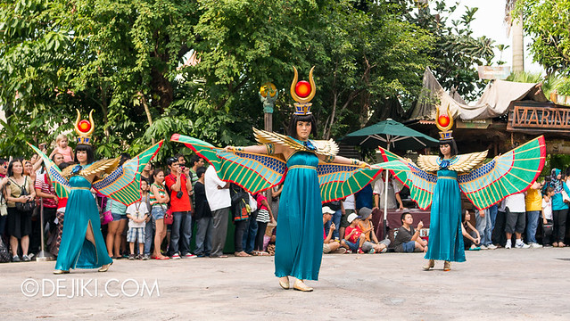 Universal Studios Singapore - Hollywood Dreams Parade - Ancient Egypt - Scarab Princesses
