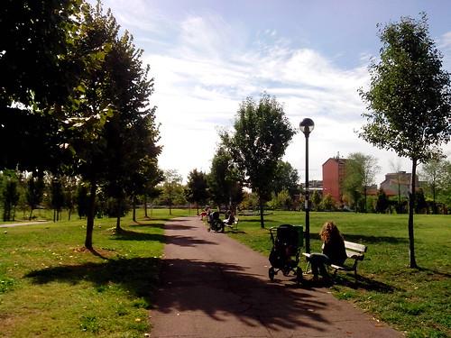 Carrozzella nel parco della Torre by Ylbert Durishti