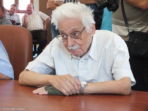 Prof. Hüsrev Tayla