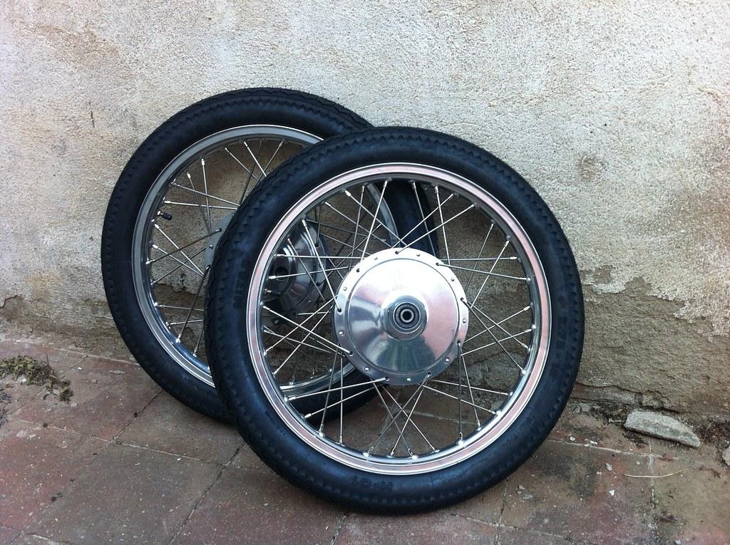Neumáticos de la Montesa Impala