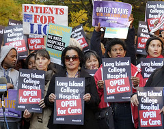 De Blasio Protests the Layoffs of 500 LICH Nurses and Health Care Workers