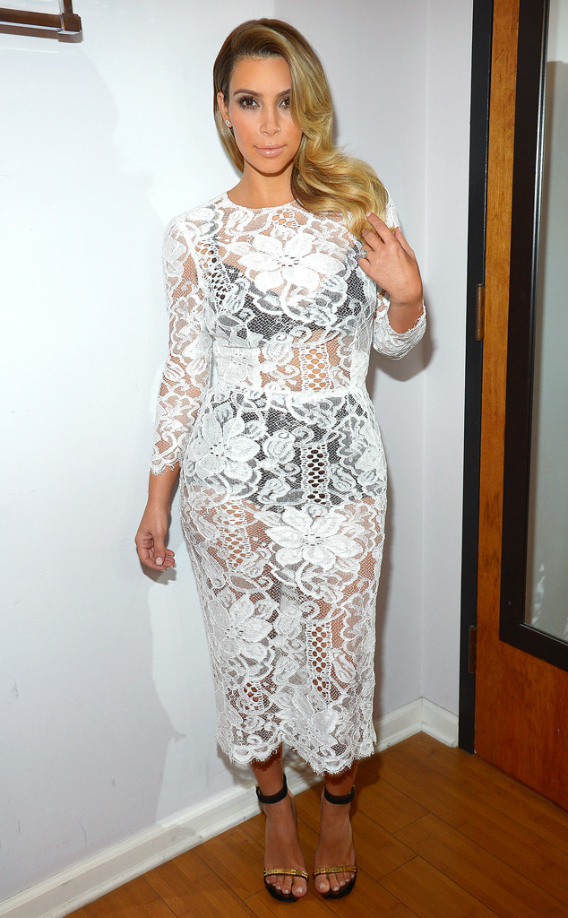 rs_634x1024-131030190104-634.Kim-Kardashian-Lace-Dress.ms.103013