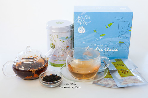 Le Palais des Thés - Tin of Vive Le Thé Green tea, Boxed tea set of Le Bureau and assorment of black and green teas for the holiday season
