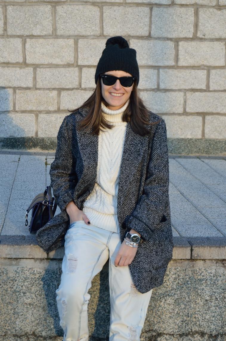 lara-vazquez-madlula-blog-white-look-winter-black-details