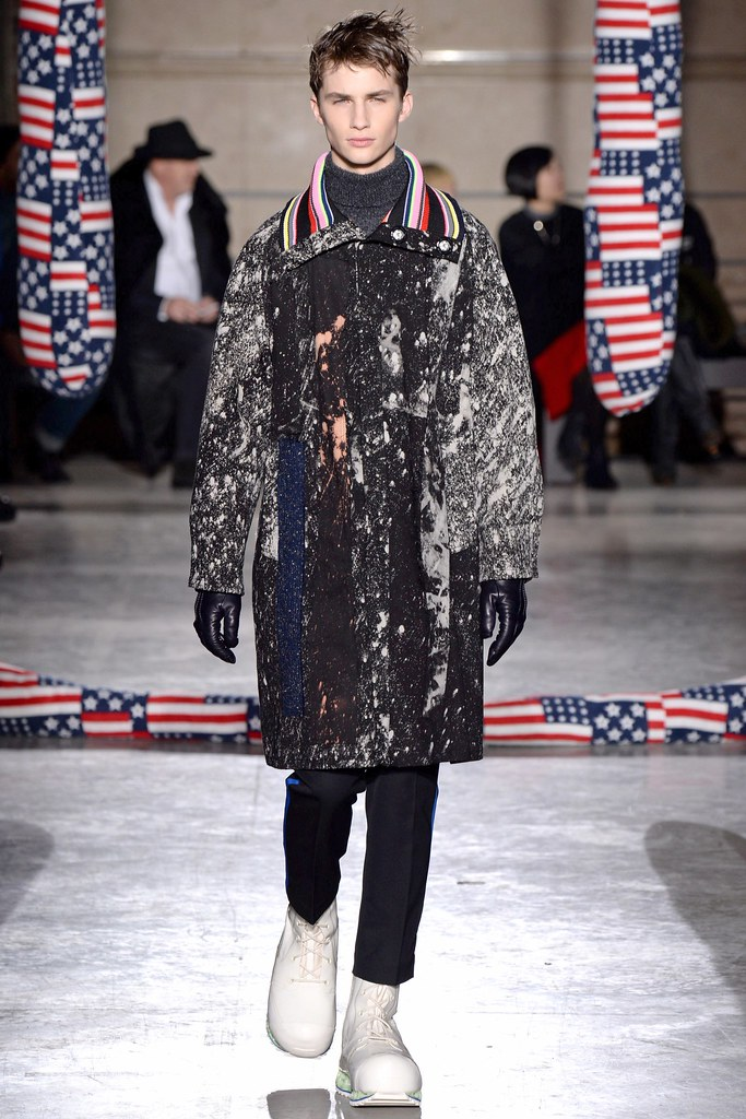 FW14 Paris Raf Simons022_Jan Purski(VOGUE)