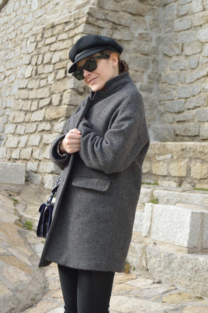 lara-vazquez-madlula-blog-cocon-coat-black-look