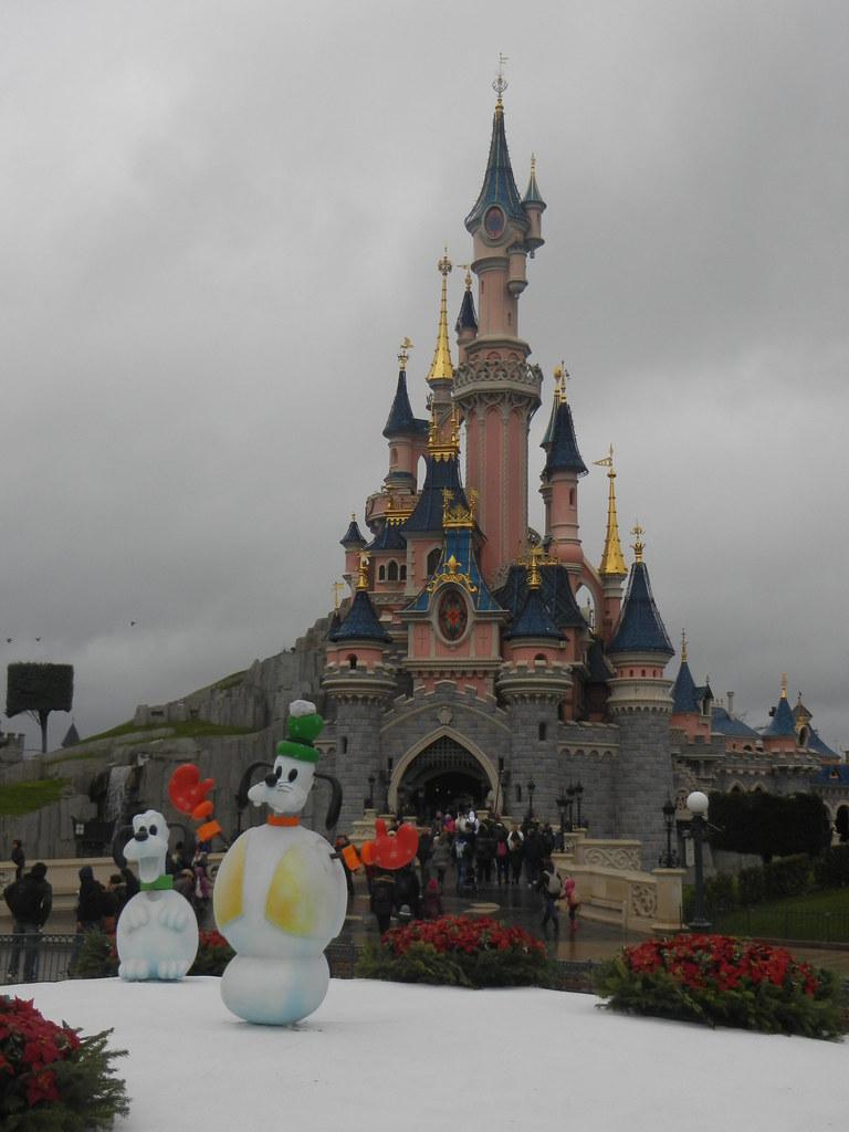 Un séjour pour la Noël à Disneyland et au Royaume d'Arendelle.... - Page 6 13899130385_82a7f9b4b2_b
