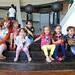 Celebran a niños en la Casa de la Tierra