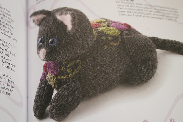 Knitted Cats & Kittens