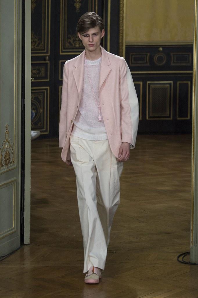 Elvis Jankus3243_FW15 Paris Walter Van Beirendonck(fashionising.com)