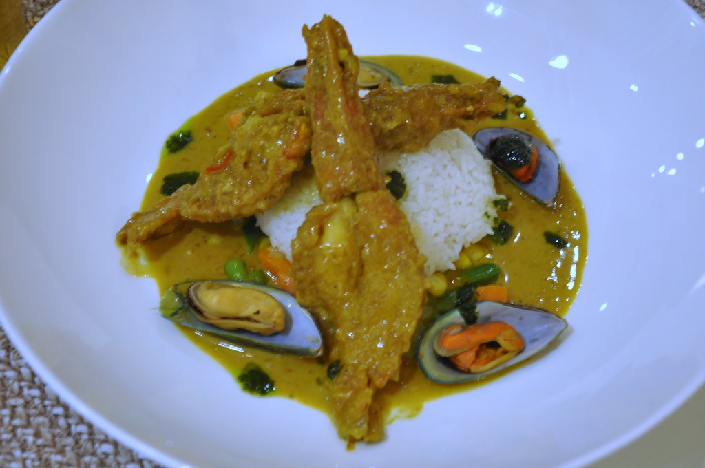 Prawns and Mussels in Curry Sauce