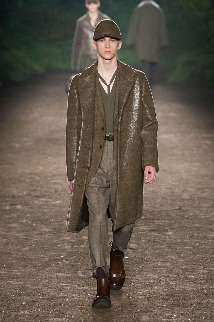 Dominik Sadoch3228_FW15 Milan Ermenegildo Zegna(fashionising.com)