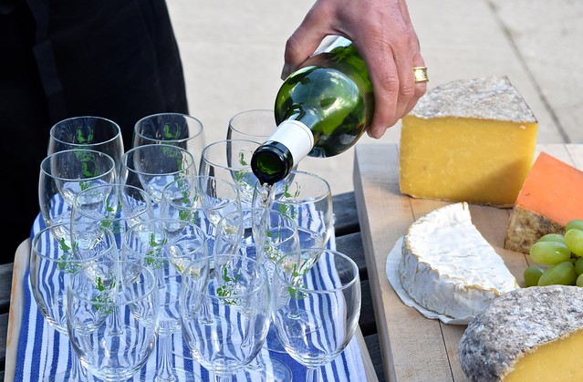 Spring Wine Tasting at Barnsole Vineyard, Staple | www.rachelphipps.com @rachelphipps
