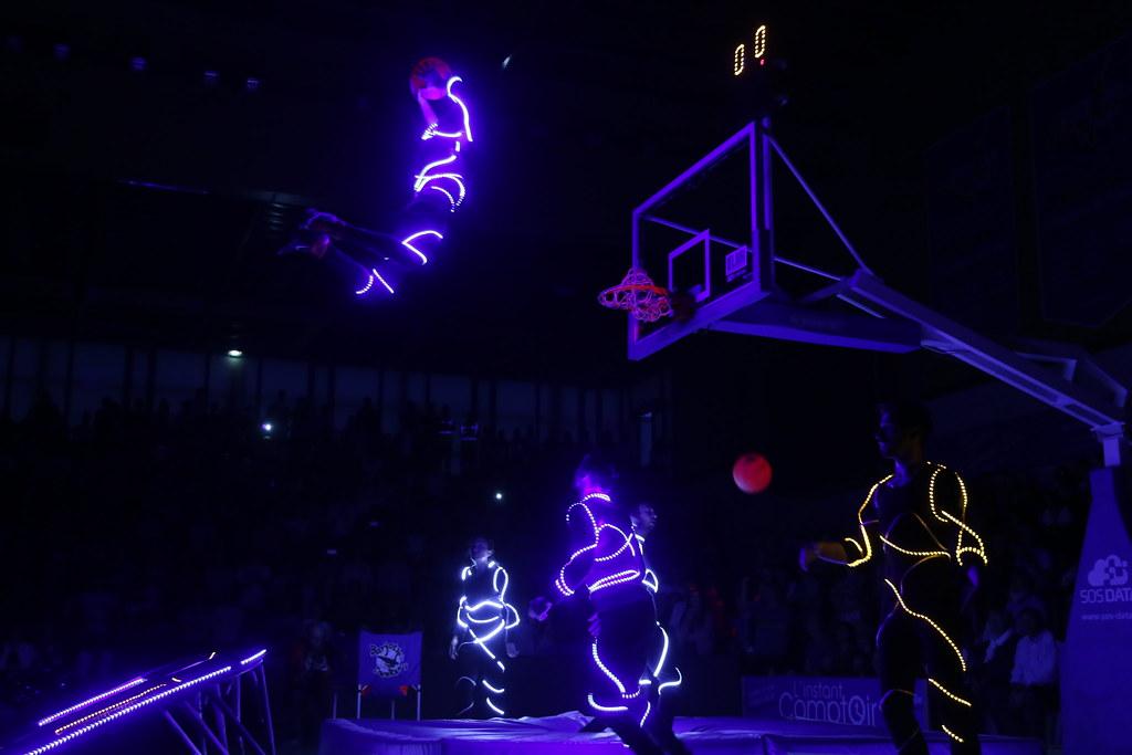 Pour des dunks hors normes, le tout dans une ambiance de folie!