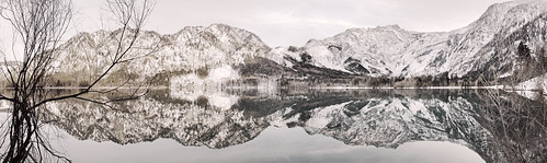 reflection salzkammergut offensee ebensee austria österreich upperaustria oberösterreich alpineregion alpinelake lake gewässer snowymountains mountain alpineview scenicview winter snow schnee gebirge alpen alps canoneos7d panoramicview panorama alpinescenery totesgebirge outdoor 2016 nature natural mountainouslandscape landschaft europa highres snowy snowylandscape winterlandscape alpinelandscape panoramicscene panoramic landscape