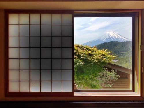 mountain window japan fuji leslie taylor 日本 gaijin 富士山 mtfuji yamanashi kawaguchiko iphone 河口湖 外人 外国人 山梨県 gaijincamera