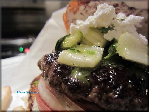 2013-05-02_ハンバーガーログブック_【広尾】BurgerManiaHiroo マンスリーと広尾の定番。マニアと言ったらコレでしょ!-02