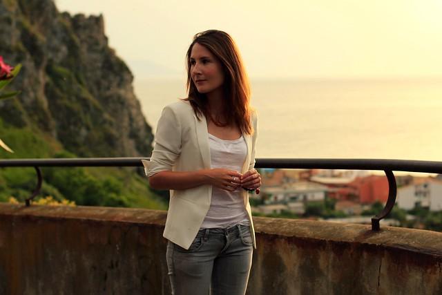outfit blazer blanca