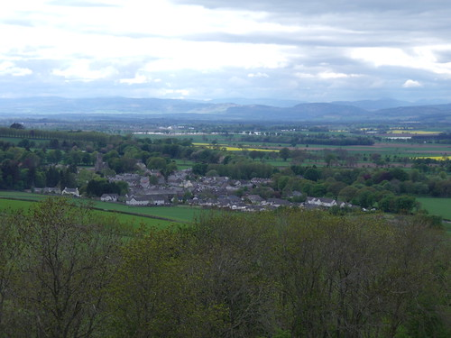 Newtyle from the top of the Den