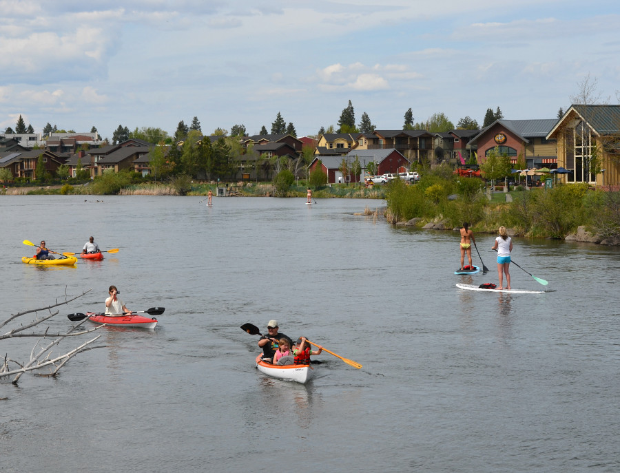 DSC_0499_deschutes_river_traffic