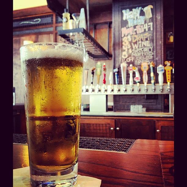 #Tasty #Stellaartois #beer #belgium #barlouie #beertap  #noms #austin #atx #6thstreet