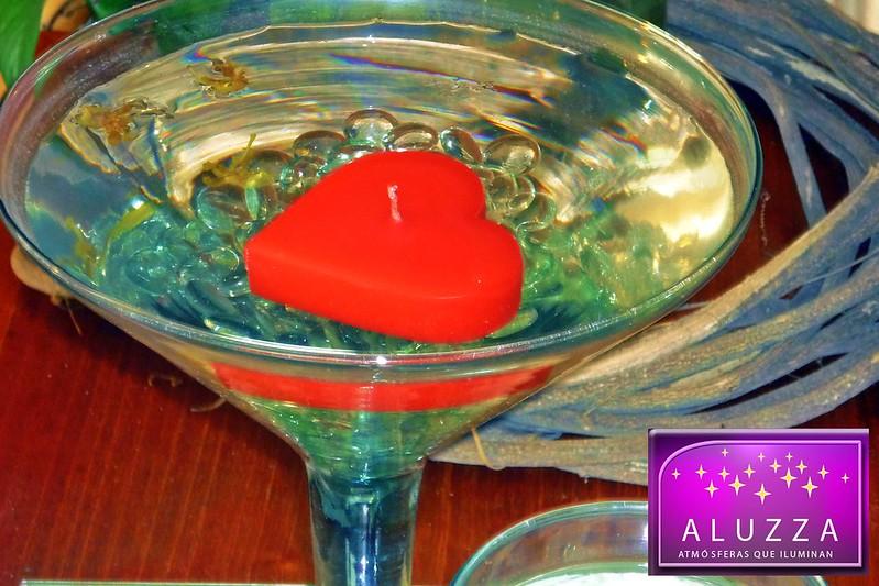 vela flotante en forma de corazon para centro de mesa aluzza