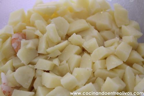 Ensaladilla de gambas www.cocinandoentreolivos (11)