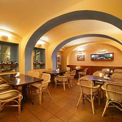 Papa's Living Restaurant