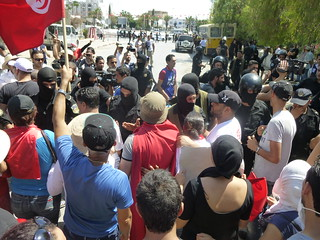 Protesters confront police near National Constituent Assembly, July 27, 2013. Photo credit: Tunisia Live