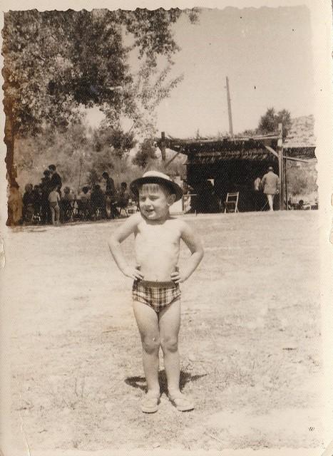 Gango en el Tajo en Toledo hacia 1965 © Familia Del Cerro Corrales
