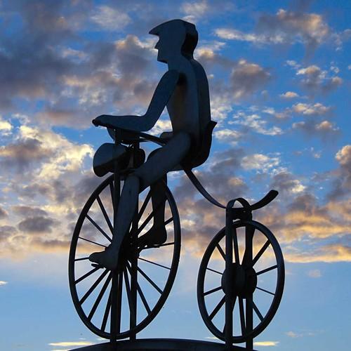 sunset sky germany deutschland cyclist sonnenuntergang hessen himmel radfahrer wanfried