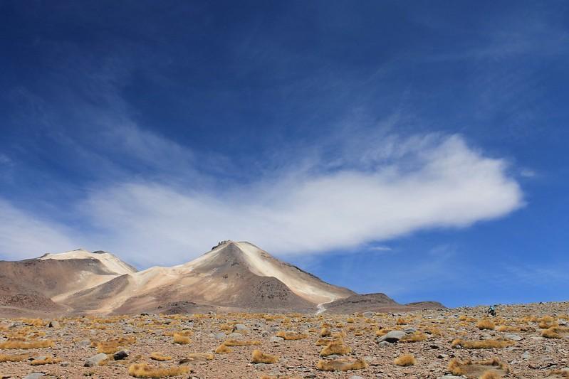 Tiny cyclist, 6000m peak