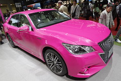 10_PINK_CROWN_front_right