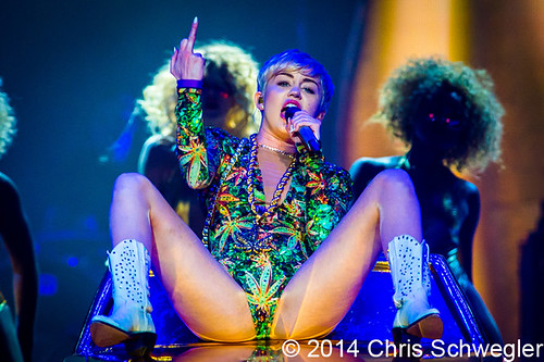 Miley Cyrus - 04-12-14 - Bangerz Tour, The Palace Of Auburn Hills, Auburn Hills, MI