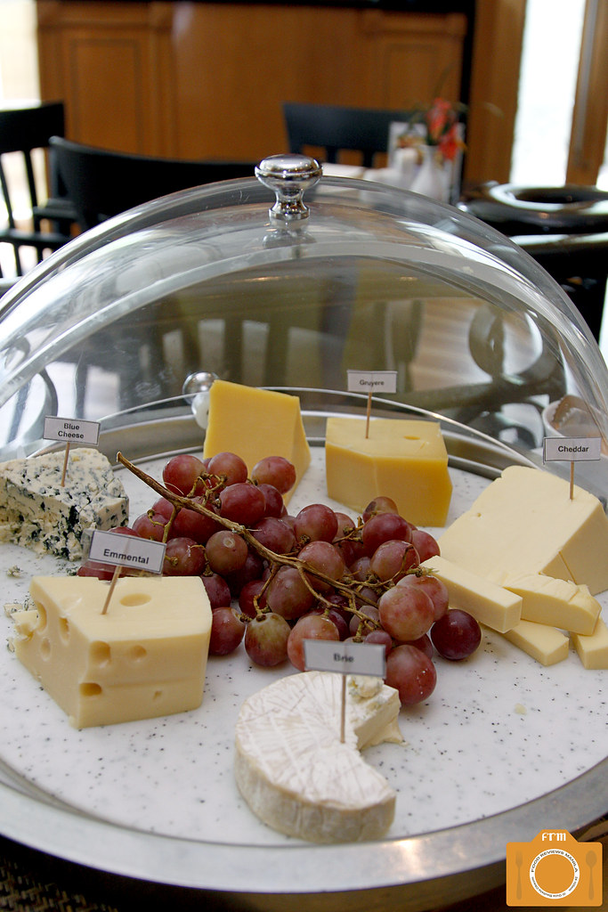 Cafe d'Asie cheese platter