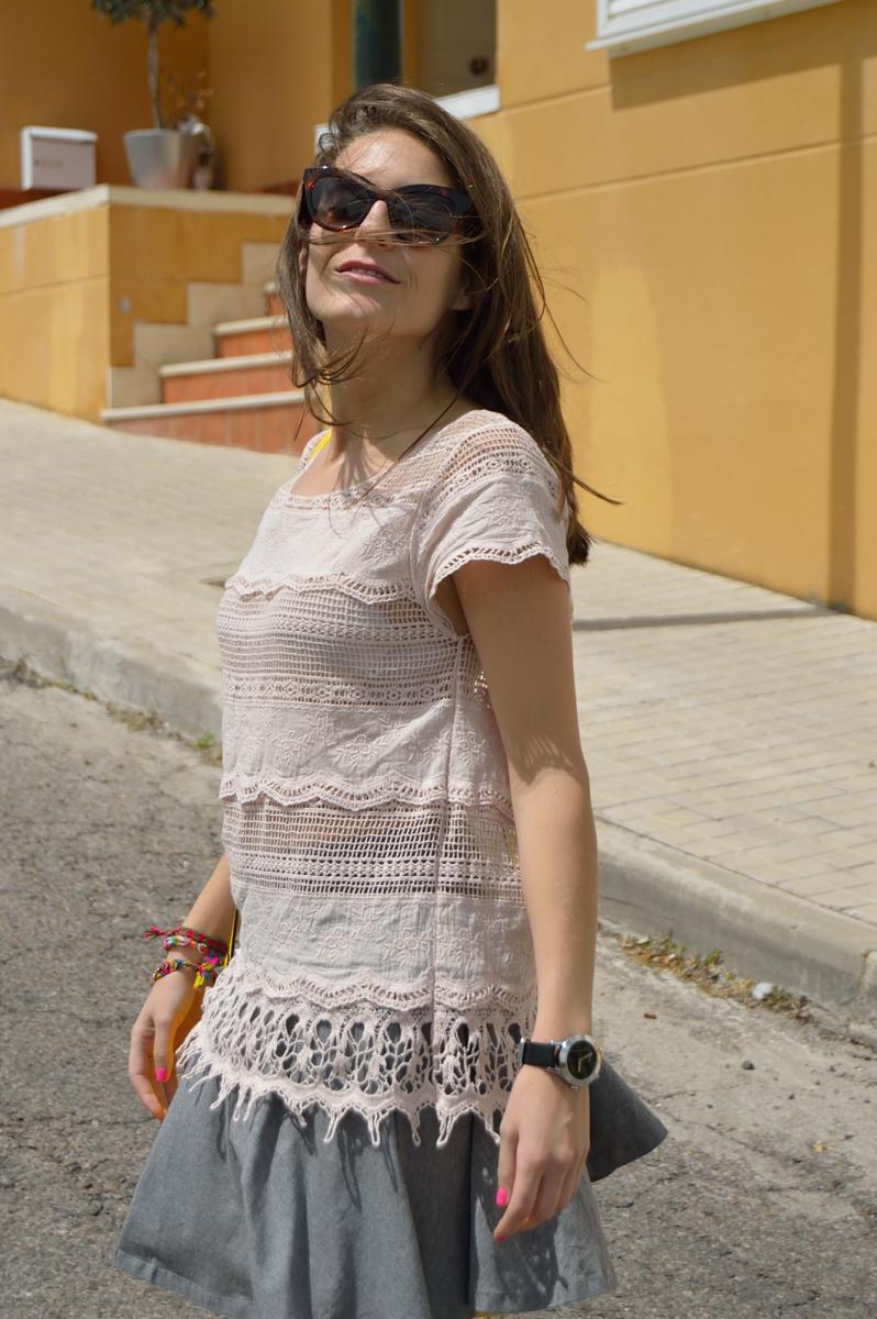 lara-vazquez-madlula-blog-style-streetstyle-grey-pink-lace