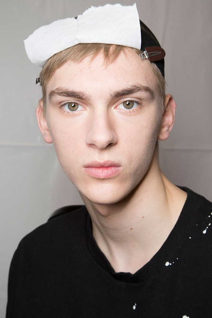 Dominik Sadoch3265_FW15 Paris Louis Vuitton(fashionising.com)