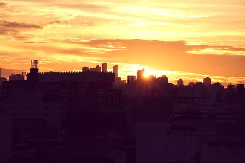 city cidade brazil sky urban sun sunlight sol brasil sunrise canon buildings concrete rebel saopaulo sãopaulo céu sp nuvens urbano clounds prédios nascerdosol 2015 t4i 18135mm brasilemimagens canont4i rebelt4i canonrebelt4i