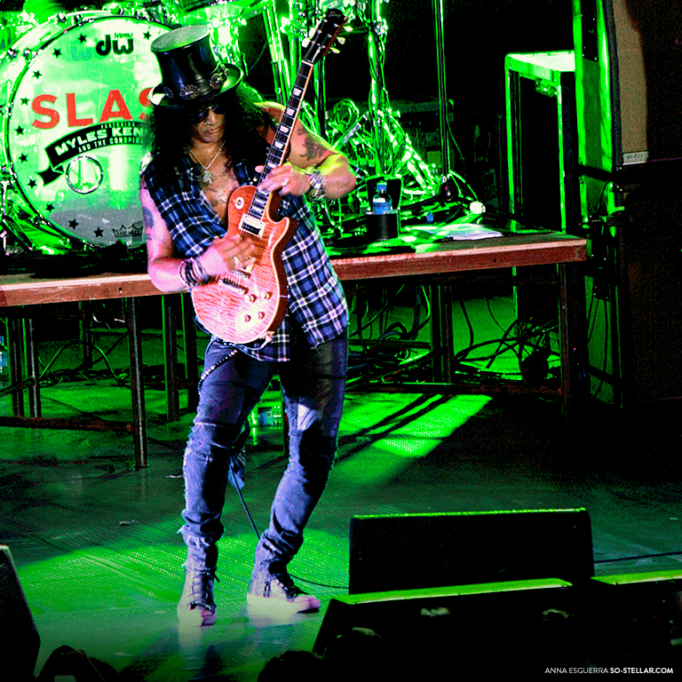 Slash Live in Manila 2013