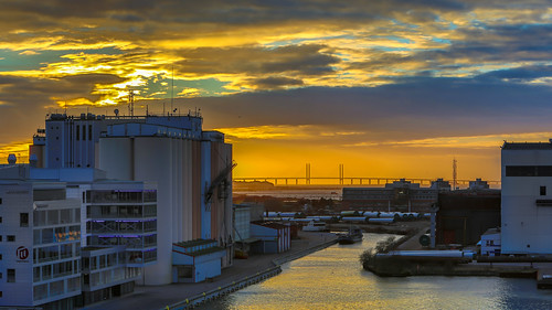 sunset skåne sweden sverige malmö solnedgång öresund öresundsbron malmöuniversity malmöhögskola bassängkajen
