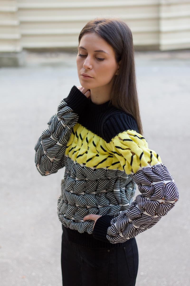 AfterTwoFive.com | Oasap Sweater | Mango Jeans | Zara Booties
