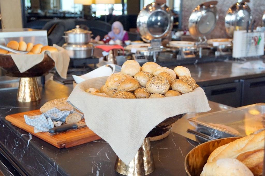 breads - majestic hotel kl - contango buffet
