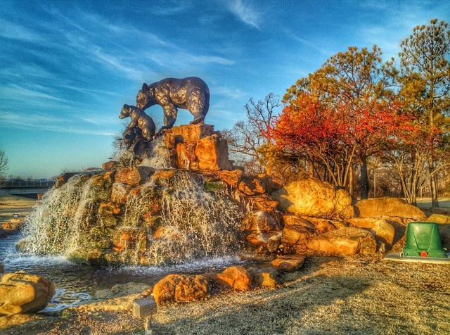 #berries #bears a #waterfall and a beautiful #oklahomasky #tulsa #sculpture #art #publicart #myoklahoma