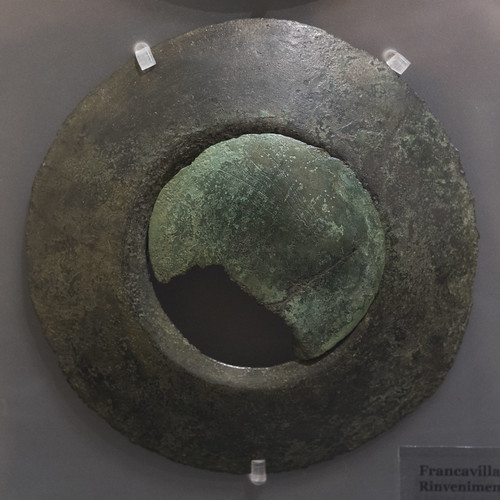 Clothing ornament in the form of bronze discs from Francavilla Marittima