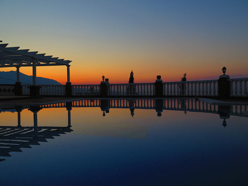 holiday pool silhouette sunrise canon reflections spain andalucia powershot villa g16 canonpowershotg16