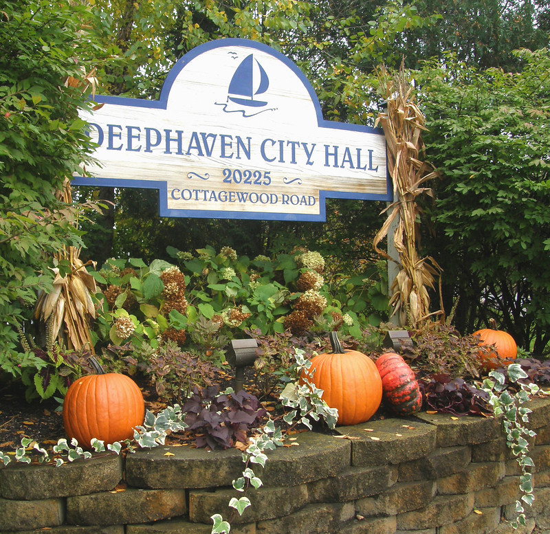 Deephaven City Hall in Fall