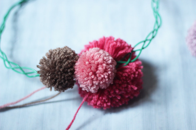 couronne-pompons6