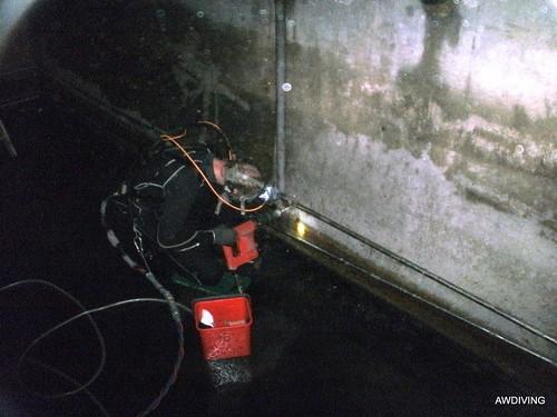 boren in buffer kelder met luchtgereedschap
