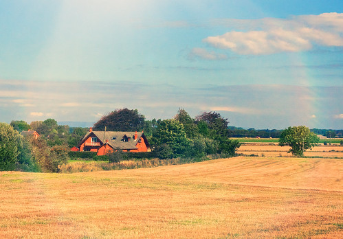 light summer england sun sunlight field farmhouse rural photography countryside mac flickr farmland lancashire alienskinexposure applecrypt