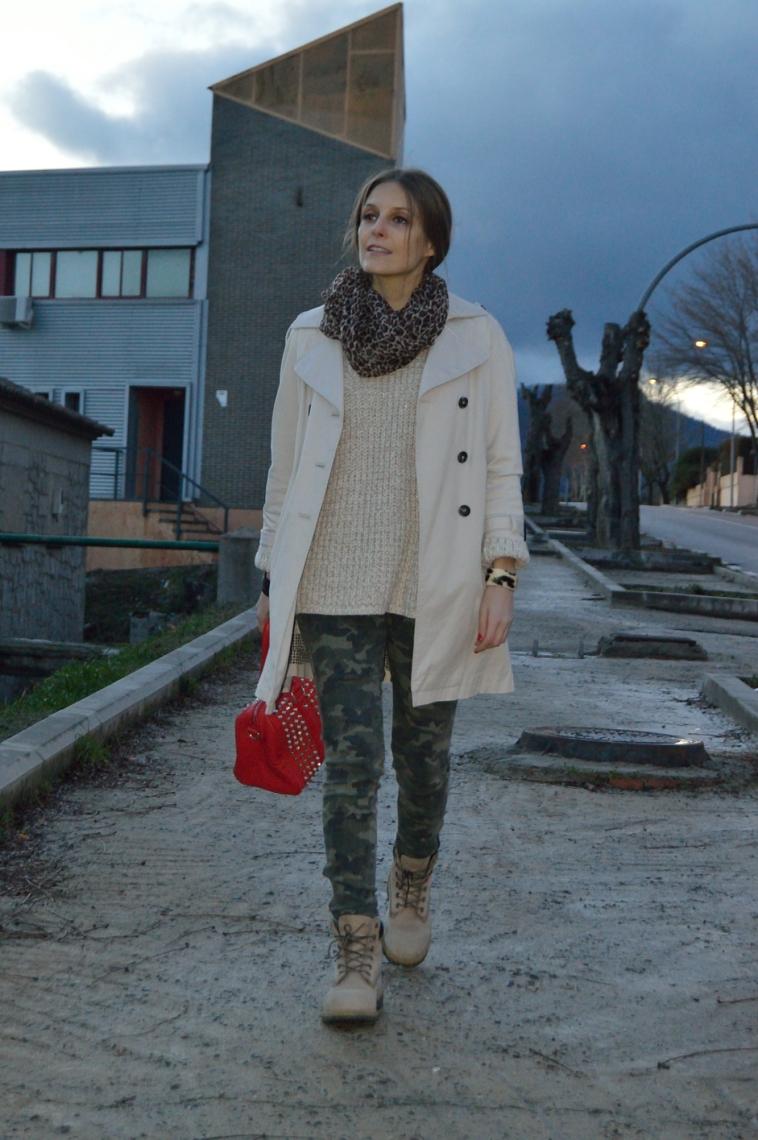 lara-vazquez-madlula-streetstyle-fashion-camouflage-jeans